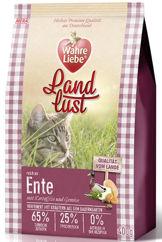 Корм сухой Wahre Liebe Landlust Ente, для кошек, беззерновой, с уткой, 1,5 кг0120710Wahre Liebe - это корм, произведенный в Германии, он обладает превосходным вкусом и ароматом, которые не оставят равнодушной даже самую привередливую кошку. Ведущий ветеринарный врач завода Mera учел все потребности организма кошки, разработал идеальную формулу корма и назвал ее - Wahre Liebe, что в переводе с немецкого Истинная любовь.Wahre Liebe - не только подарит любовь и заботу питомцу, но и обеспечит его здоровьем и долголетием на всю жизнь.Корм Wahre Liebe это:- 68% свежего мяса,- устойчивая кишечная микрофлора и отличное пищеварение,- профилактика волосяных комочков,- поддержка иммунитета на клеточном уровне,- сбалансированное и полнорационное питание.Wahre Liebe - это истинная любовь для кошек с характером. Это истинно немецкое качество.Особенности: 1) Беззерновой корм - исключает аллергические реакции у кошек на зерновые. 2) Корм холистик класса -при производстве корма используется только натуральные и высококачественные ингредиенты. Корма холистик класса отличаются высоким содержанием мяса в составе (до 70%).3) Профилактика волосяных комочков - целлюлоза (свекольный жом), содержащийся в корме препятствует формированию и задержанию шерсти в желудке и кишечнике кошки.4) Устойчивая кишечная микрофлора и пищеварение - содержащиеся в составе корма про- и пребиотики благотворно влияют на работу кишечника, увеличивая количество полезной микрофлоры в нем.Состав: свежее мясо курицы (25%), картофельные хлопья, утка, белок (14%, сушеный), белок птицы (14%, сушеный), жир домашней птицы (5,5%), лигноцеллюлоза, белок птицы (3%, гидролизованный), яйца (3%, сушеные), свекловичный сухой жом, картофельный белок, пивные дрожжи (сушеные), масло лосося (0,5%), хлорид натрия, подсол-нечное масло (0,2%), петрушка, листья сельдерея, листья любистока, анис, розмарин, кориандр, подорожник, цикорий (инулин), масло огуречника, морковь (сушеная), тыква (сушеная), яблоко (сушеное).Товар сертифицирован.