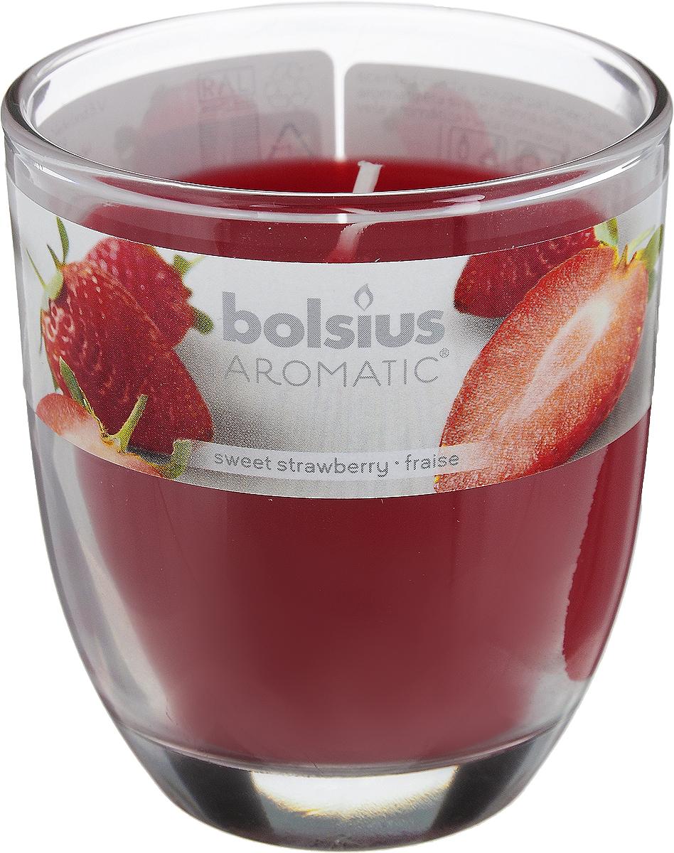 Свеча ароматическая Bolsius Клубника, 7 х 7 х 8 смRG-D31SАроматизированная свеча Bolsius Клубника изготовлена из воска и поставляется в подсвечнике в виде стеклянного стакана. Изделие отличается оригинальным дизайном и приятным ароматом. Такая свеча может стать отличным подарком или дополнить интерьер вашей комнаты.