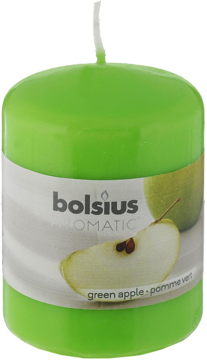 Свеча ароматическая Bolsius Яблоко, 6 х 6 х 7,3 смRG-D31SСвеча ароматическая Bolsius Яблоко создаст в доме атмосферу тепла и уюта. Свеча приятно смотрится в интерьере, она безопасна и удобна в использовании. Свеча создаст приятное мерцание, а сладкий манящий аромат окутает вас и подарит приятные ощущения.