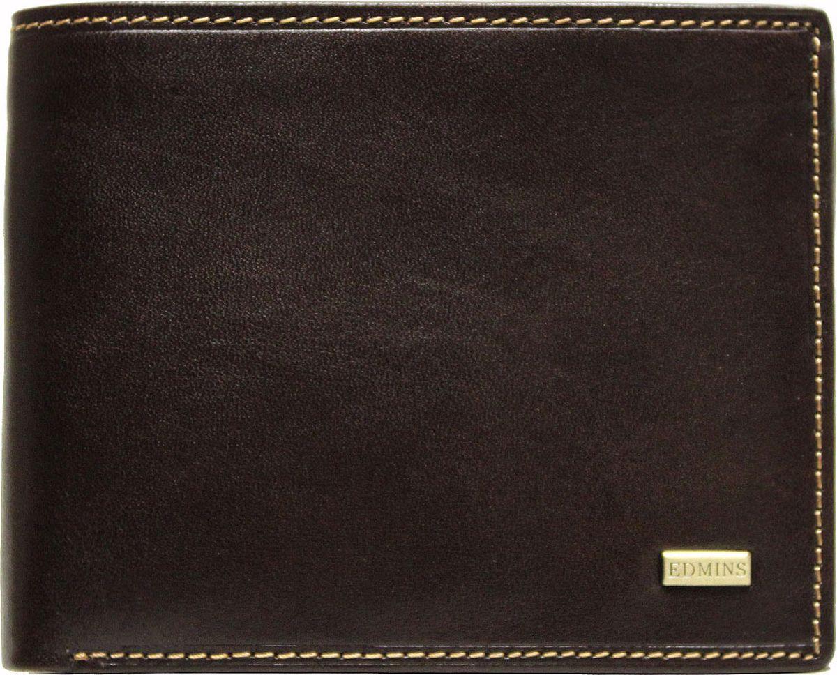 Портмоне мужское Edmins, цвет: коричневый. 2667 ML EDволк полярныйКомпактное портмоне Edmins выполнено из натуральной кожи с гладкой фактурой и оформлено металлическим элементом с символикой бренда. Модель раскладывается пополам. Внутренний функционал: два отделения для купюр, 6 накладных кармашков для визиток и пластиковых карт, отделение для чеков и бумаг на молнии, карман со вставкой из прозрачного ПВХ. Отделение для мелочи закрывается на кнопку. В коллекциях кожгалантереи Edmins удачно сочетаются итальянская классика и шведский прагматизм, новаторство молодых дизайнеров и работы именитых мастеров, строгая цветовая гамма и смелые эксперименты с цветом. Изделия Edmins, разработанные в Италии, отличает высокое качество кожи, прекрасная износостойкость и актуальность коллекций.Изделие упаковано в фирменную коробку.