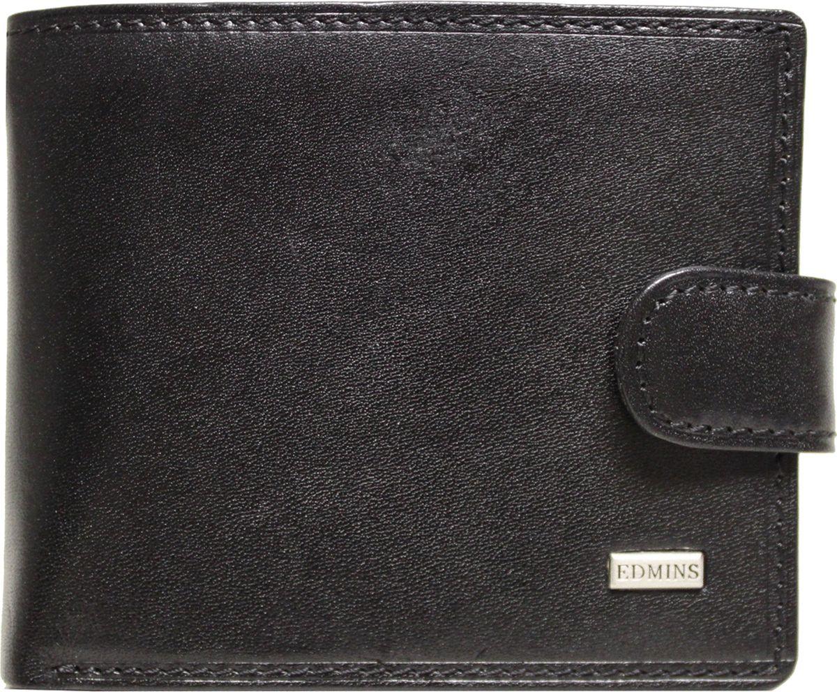 Портмоне мужское Edmins, цвет: черный. 1470 A ML EDBM8434-58AEКомпактное портмоне Edmins выполнено из натуральной кожи с гладкой фактурой и оформлено металлическим элементом с символикой бренда. Модель раскладывается пополам и закрывается хлястиком на кнопку. Внутренний функционал: одно отделение для купюр, шесть накладных кармашков для визиток и пластиковых карт. Отделение для мелочи закрывается на кнопку. В коллекциях кожгалантереи Edmins удачно сочетаются итальянская классика и шведский прагматизм, новаторство молодых дизайнеров и работы именитых мастеров, строгая цветовая гамма и смелые эксперименты с цветом. Изделия Edmins, разработанные в Италии, отличает высокое качество кожи, прекрасная износостойкость и актуальность коллекций.Изделие упаковано в фирменную коробку.