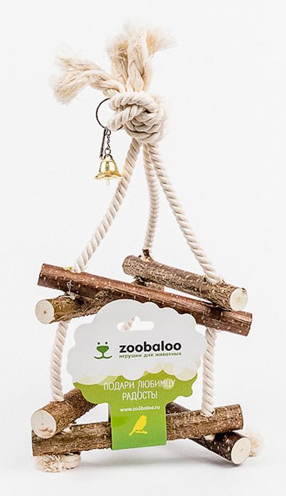 Игрушка для птиц Zoobaloo Качели. 5470120710Игрушка Zoobaloo Качели - отличный аксессуар для клетки ваших пернатых друзей. Качели выполнены в виде деревянных жердочек из орешника, оборудованы маленьким колокольчиком и металлическим карабином для подвешивания к клетке. Чтобы обезопасить лапки пернатых любимцев, брусочки соединены хлопковой веревкой.
