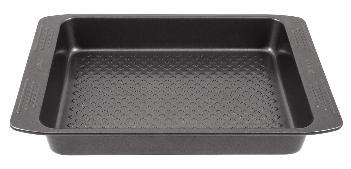Противень для запекания Tefal Easy Grip, с антипригарным покрытием, 46 х 30 смFS-91909Противень Tefal EasyGrip выполнен из углеродистой стали с внутренним антипригарным покрытием. Дно имеет рифленую поверхность. Углеродистая сталь - это прочный, легкий и долговечный материал, который прекрасно проводит тепло, помогая выпечке хорошо подходить и равномерно пропекаться, и гарантирует всегда великолепный результат. Слой антипригарного покрытия полностью устраняет пригорание выпечки и ее прилипание к стенкам и дну. Выпечка легко извлекается из противня. Экологически безопасное антипригарное покрытие не содержит PFOA, свинца и кадмия. Противень выдерживает температуру до 230°C. Изделие нельзя мыть в посудомоечной машине, нельзя использовать в микроволновой печи. Внутренний размер противня: 40 х 28 см. Размер противня (с учетом ручек): 46 х 30 см.