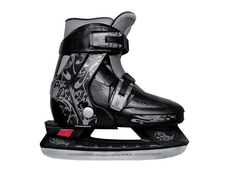 Коньки ледовые для мальчика CK Vision, раздвижные, цвет: серый, черный. Размер 30/33CK Vision 2014Фигурные коньки СК VISION BOY – это стильные, высококачественные и эргономичные ледовые коньки, идеальный вариант для мальчика. Модель обладает превосходной раздвижной системой, которая позволяет подошве изменяться и расти вместе с ногой ребенка. Стильный и яркий дизайн поможет их обладателю не остаться незамеченным на катке! Внешняя основа ботинка стойкая к повреждениям и преждевременному износу. Полиуретановый каркас защищает от деформации при падении. Внутренняя часть из вельвета, есть сменный утеплитель в виде сапожка, нейлоновые вставки для увеличения комфортабельности и идеальной посадки ботинка на детской ножке. Интегрированная подошва обеспечивает устойчивость на льду.Облегченная рама не утяжеляет детскую ногу при эксплуатации и дает возможность быстрее освоить первые навыки ледового катания.Лезвие СК Vision Boy из легированной стали, стойкой к коррозии.С помощью двух мобильных клипс можно быстро застегнуть ботинок.