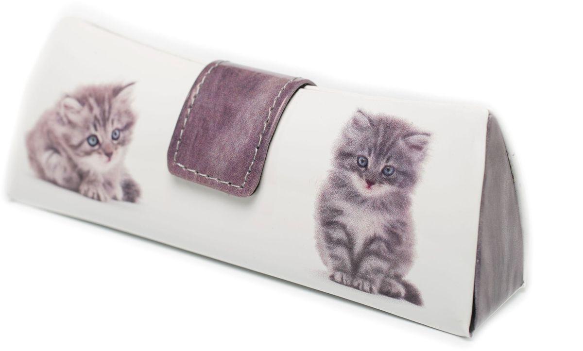 Футляр для очков женский Mitya Veselkov, цвет: белый. LD206-21INT-06501Стильный футляр для очков Mitya Veselkov выполнен из искусственной кожи. Оформлено изделие принтом с изображением кошек.Дополнена модель небольшой тряпочкой для протирания очков.Футляр подойдет для солнечных очков и очков для коррекции зрения.