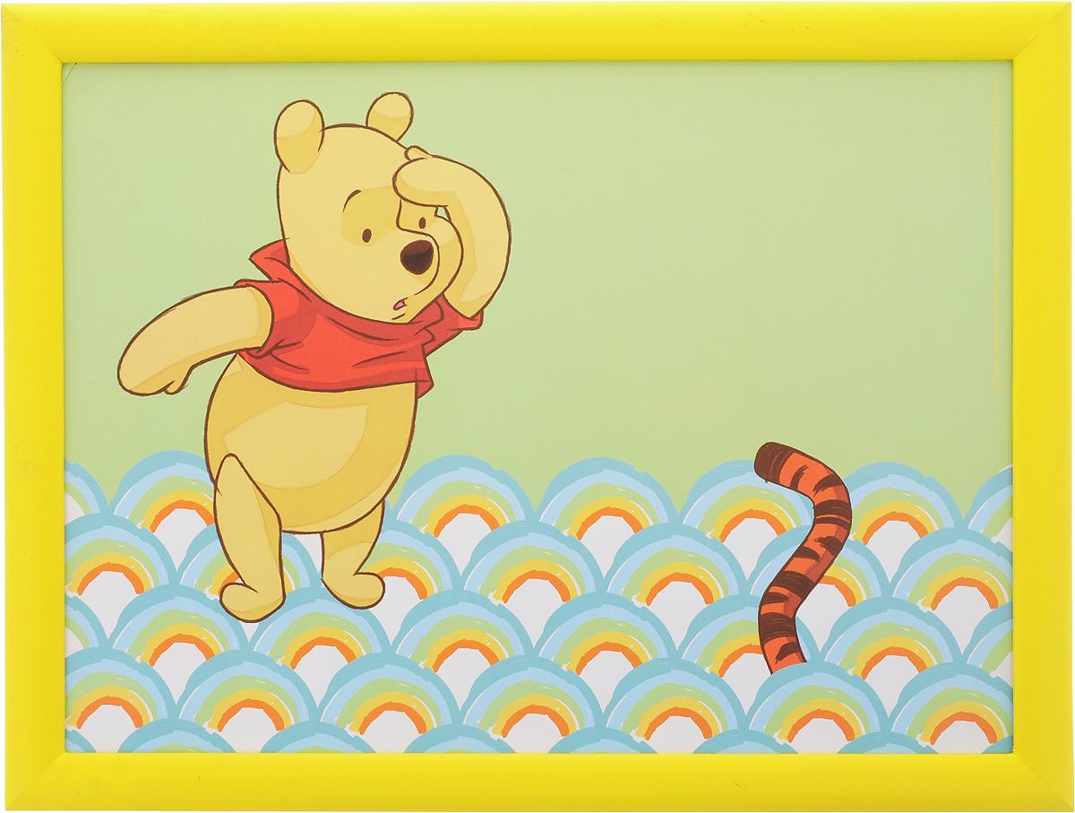 Столик-поднос Disney Винни и его друзья, с подушкой, 44 х 34 х 8 см. 61241115510Столик-поднос Disney Винни и его друзья удобно помещается на коленях. Его можно использовать для рисования, работы с ноутбуком или чтобы перекусить. Столик изготовлен из дерева и имеет мягкое основание в виде подушки, которая наполнена шариками пенопласта. Яркий дизайн с изображением героев из мультика несомненно понравится вашему ребенку.