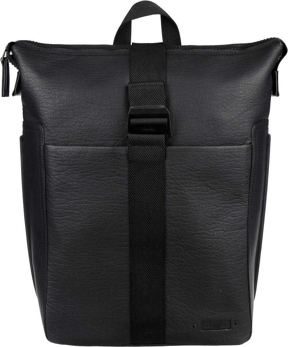 Рюкзак мужской Calvin Klein Jeans, цвет: черный. K50K502296_0010205065-001Стильный мужской рюкзак Calvin Klein Jeans выполнен из полиуретана и полиэстера. Изделие имеет одно вместительное отделение, которое закрывается на застежку-молнию и дополнительно на широкий текстильный ремешок с металлическим крючком. Внутри изделия расположены мягкий карман для планшета, мягкий карман для ноутбука, закрывающийся на широкий хлястик с липучкой, два накладных открытых кармана и прорезной карман на застежке-молнии. Хлястик оснащен прорезным карманом. Снаружи, на передней стенке расположен нашивной карман на магнитной кнопке. Рюкзак оснащен широкими лямками регулируемой длины и ручкой для переноски в руке.