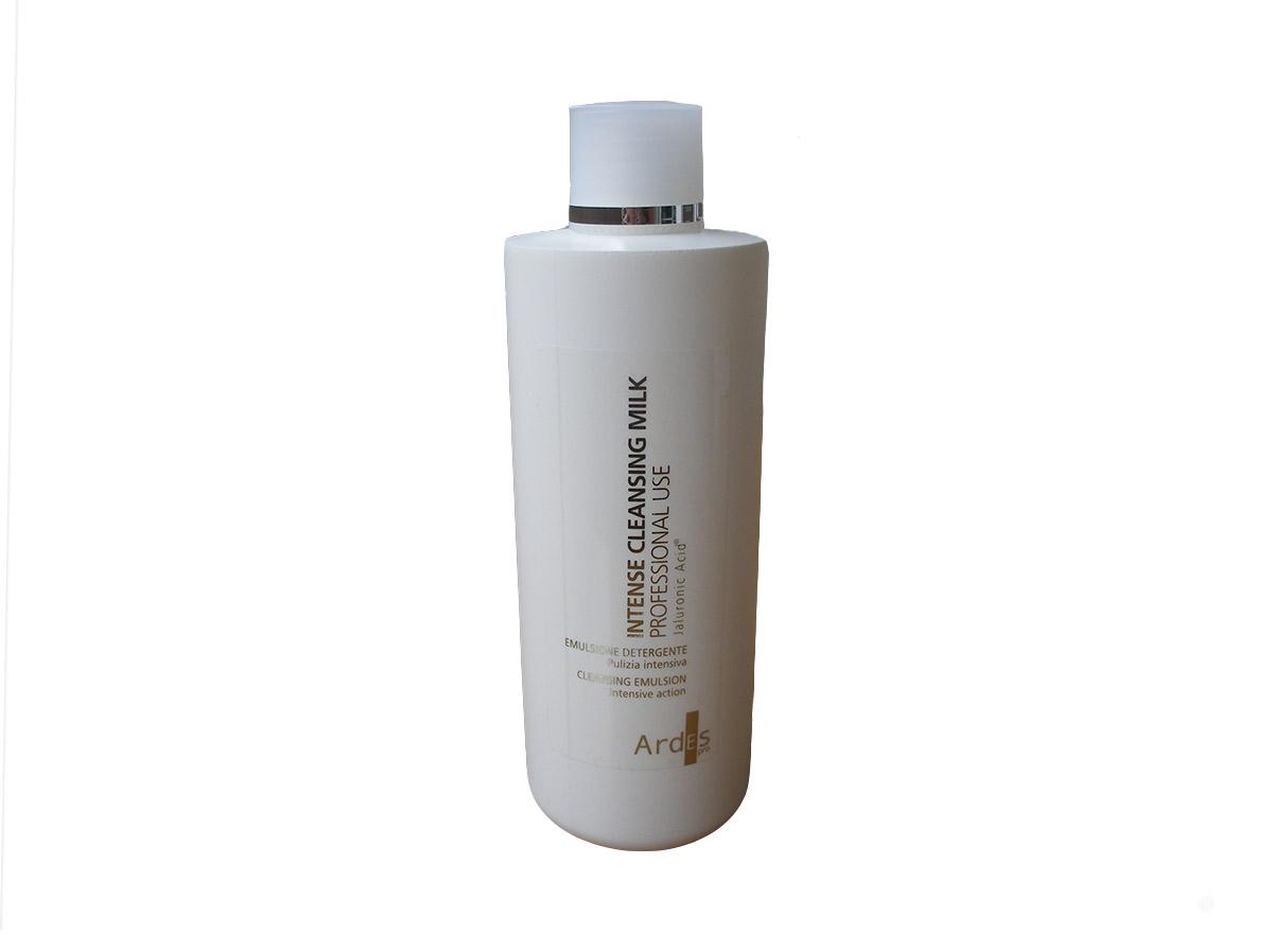 Ardes Молочко Гиалуроновое Интенсивное для очищения, профессиональное, 500 мл. Intense cleanser latte detergenteB17068/01С гиалуроновым интенсивным очистителем богатая эмульсия для снятия макияжа (и водостойкого), очищения лица. Сохраняет естественную защиту кожи и делает ее бархатистой и эластичной. С гиалуроновой кислотой натуральной ферментации без химических модификаций для лица и тела оказывает очищающее действие.100% АКТИВНОГО ИНГРЕДИЕНТА. Для косметологических процедур (очищение)