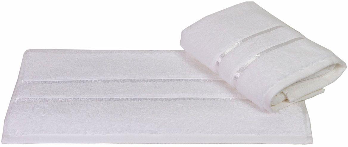 Полотенце Hobby Home Collection Dolce, цвет: белый, 100 х 150 см531-105Полотенце Hobby Home Collection Dolce выполнено из 100% хлопка. Изделие отлично впитывает влагу, быстро сохнет, сохраняет яркость цвета и не теряет форму даже после многократных стирок. Такое полотенце очень практично и неприхотливо в уходе. А простой, но стильный дизайн полотенца позволит ему вписаться даже в классический интерьер ванной комнаты.