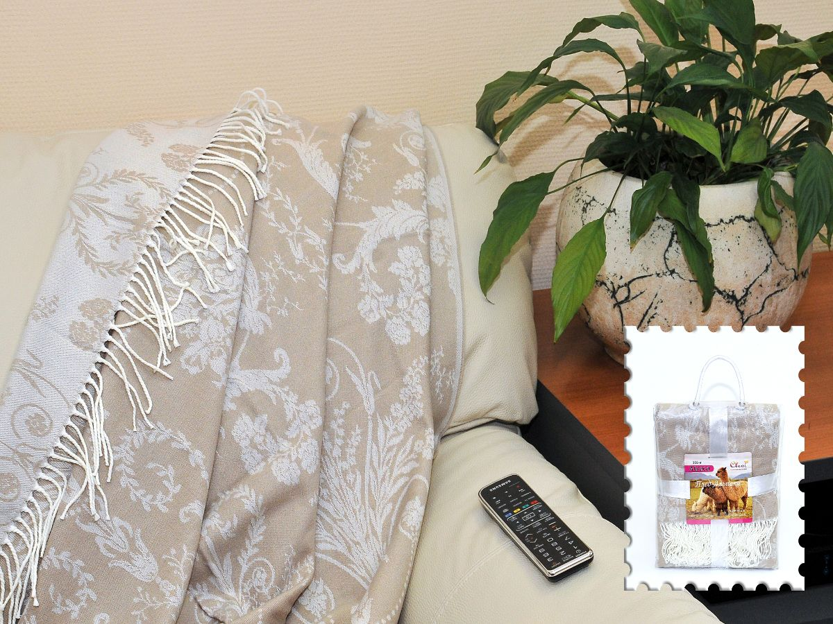 Плед Cleo Усадьба, 130 х 150 см210/92-TZКоллекция пледов Cleo – стильный дизайн и согревающая нега прикосновения! Пледы сделаны из инновационного материала - полиакрила. Полиакрил - это уникальный инновационный материал, мягкий и легкий, по внешнему виду и на ощупь напоминает шерсть.