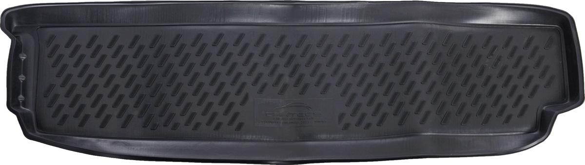 Коврик автомобильный Novline-Autofamily для Chevrolet Orlando минивэн 2011-, в багажник0113010301Автомобильный коврик Novline-Autofamily, изготовленный из полиуретана, позволит вам без особых усилий содержать в чистоте багажный отсек вашего авто и при этом перевозить в нем абсолютно любые грузы. Этот модельный коврик идеально подойдет по размерам багажнику вашего автомобиля. Такой автомобильный коврик гарантированно защитит багажник от грязи, мусора и пыли, которые постоянно скапливаются в этом отсеке. А кроме того, поддон не пропускает влагу. Все это надолго убережет важную часть кузова от износа. Коврик в багажнике сильно упростит для вас уборку. Согласитесь, гораздо проще достать и почистить один коврик, нежели весь багажный отсек. Тем более, что поддон достаточно просто вынимается и вставляется обратно. Мыть коврик для багажника из полиуретана можно любыми чистящими средствами или просто водой. При этом много времени у вас уборка не отнимет, ведь полиуретан устойчив к загрязнениям.Если вам приходится перевозить в багажнике тяжелые грузы, за сохранность коврика можете не беспокоиться. Он сделан из прочного материала, который не деформируется при механических нагрузках и устойчив даже к экстремальным температурам. А кроме того, коврик для багажника надежно фиксируется и не сдвигается во время поездки, что является дополнительной гарантией сохранности вашего багажа.Коврик имеет форму и размеры, соответствующие модели данного автомобиля.