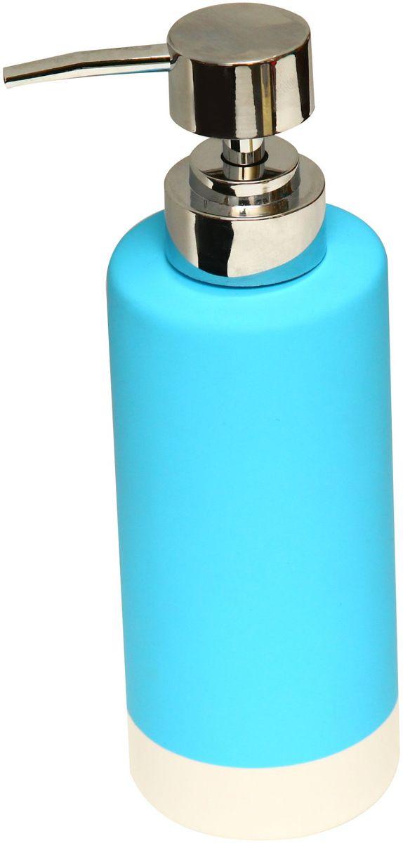 Диспенсер для мыла Proffi Home, цвет: голубой, 350 мл. PH6471531-105Диспенсер для жидкого мыла Proffi Home - незаменимый аксессуар для тех, кто ценит чистоту своей раковины и экономный расход мыла. Вы можете легко переставлять его при необходимости. Этот диспенсер выполнен из керамики. Керамика выгодно отличается от других материалов в первую очередь натуральностью и благородным внешним видом. Этот материал устойчив к перепадам температур, повышенной влажности и бытовым химическим средствам. Каучуковое покрытие обеспечивает антискользящий эффект. Благодаря лаконичной форме такой аксессуар отлично впишется в любой интерьер ванной комнаты и станет ее украшением. Материал: керамика, каучук.Размеры изделия: 6 х 6 х 13 см.
