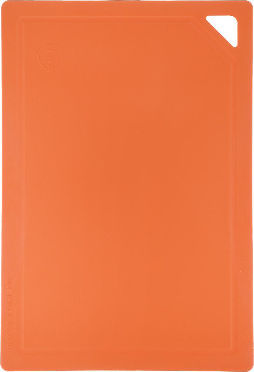 Доска разделочная TimA, гибкая, цвет: оранжевый, 31 х 21 х 0,3 см68/5/3Гибкая разделочная доска TimA изготовлена из полиуретанаи обладает уникальными свойствами. Гигиенична. Не вступает в химическую реакцию с продуктами,не выделяет вредных веществ, предотвращает размножениеболезнетворных микроорганизмов на поверхности доски. Безопасна. Доска плотно прилегает к любой поверхностистола или столешницы, не скользит. По краю проходитнебольшой желоб, который предохраняет от растеканияжидкости. Комфортна. Удобно высыпать нарезанные продукты даже внебольшую посуду, не уронив ни единого кусочка. Подходитдля керамических ножей. Долговечна. Благодаря исключительным свойствамполиуретана, срок службы такой доски значительно выше, чемдосок из дерева и пластика. Простота в уходе. Благодаря низкой пористости материала,доска не впитывает влагу, легко очищается от жира и грязи.Можно мыть в посудомоечной машине.