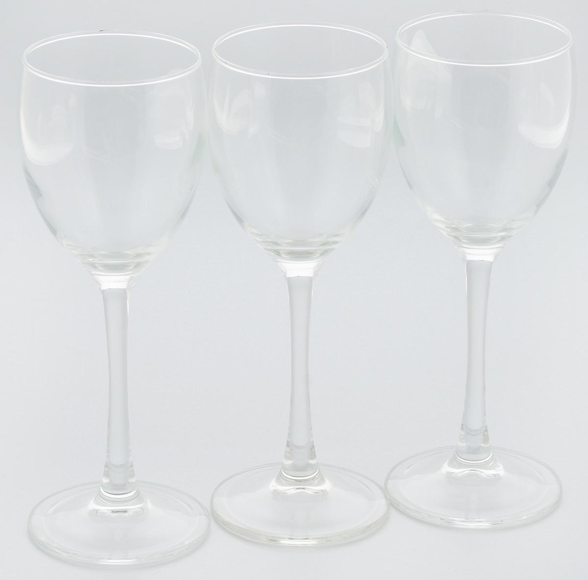 Набор бокалов Luminarc Эталон, 190 мл, 3 штVT-1520(SR)Набор Luminarc Эталон состоит из 3 бокалов на высоких ножках, выполненных из высококачественного ударопрочного стекла. Изделия предназначены для подачи вина. Они излучают приятный блеск и издают мелодичный звон. Набор бокалов прекрасно оформит праздничный стол и создаст приятную атмосферу за романтическим ужином. Можно мыть в посудомоечной машине. Диаметр по верхнему краю: 6,5 см. Высота бокала: 18,5 см.