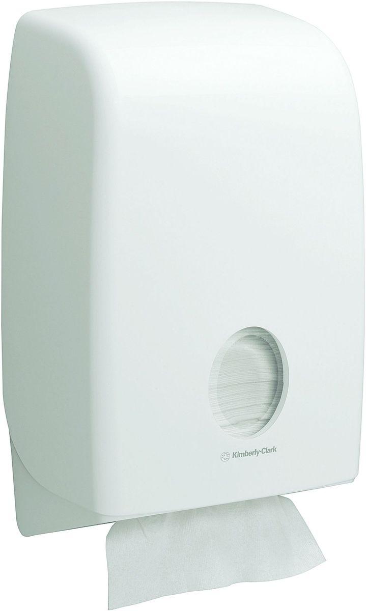 Диспенсер Aquarius Interleaved, для сложенных бумажных полотенец, цвет: белый. 6945RG-D31SАссортимент диспенсеров для сложенных бумажных полотенец для рук с выдачей по одному листу из скоординированной линейки диспенсеров для туалетных комнат. Диспенсеры мотивируют сотрудников соблюдать гигиенические нормы, повышают уровень комфорта, демонстрируют заботу о персонале и помогают сократить расходы. Идеальное решение, обеспечивающее подачу полотенец со сложением Inter-fold без касания диспенсера, снижение риска перекрестного загрязнения и предотвращение распространения бактерий. Наше уникальное запатентованное устройство защиты от переполнения облегчает процесс заправки, помогает предотвратить заминание продукта и снижает объем отходов.Формат поставки: диспенсер современного дизайна, обтекаемой формы, обеспечивающий быструю заправку; белое глянцевое, легко очищаемое покрытие; отсутствие мест скопления пыли и грязи; смотровое окно для контроля за расходными материалами; возможность выбора цветовых вставок в соответствие с интерьером конкретных туалетных комнат. Совместим с полотенцами: 3749, 4632, 6633, 6659, 6663, 6664, 6669, 6677, 6682, 6689, 6771, 6777, 6789.