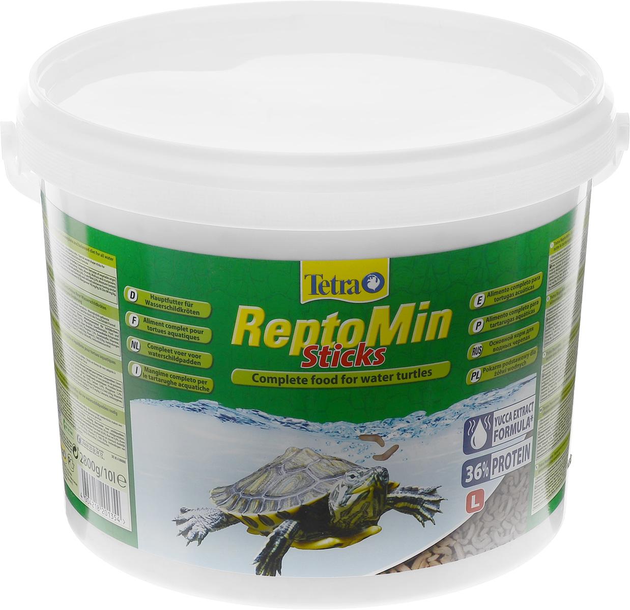 Корм для водных черепах Tetra ReptoMin, палочки, 10 л (2,5 кг)0120710Корм Tetra ReptoMin - полноценный сбалансированный питательный корм высшего качества для любых видов водных черепах. Поддерживает здоровье, нормальный рост и придает жизненные силы. Оптимальное соотношение кальция и фосфора для формирования твердого панциря и крепких костей. Запатентованная БиоАктив-формула обеспечивает здоровую иммунную систему.Состав: растительные продукты, рыба и побочные рыбные продукты, экстракты растительного белка, дрожжи, минеральные вещества, моллюски и раки, масла и жиры, водоросли. Аналитические компоненты: сырой белок 39%, сырые масла и жиры 4,5%, сырая клетчатка 2%, влага 9%, кальций 3,3%, фосфор 1,3%. Добавки: витамин А 29550 МЕ/кг, витамин Д3 1845 МЕ/кг, Е5 марганец 134 мг/кг, Е6 цинк 80 мг/кг, Е1 железо 52 мг/кг, Е3 кобальт 0,9 мг/кг, красители, антиоксиданты. Товар сертифицирован.