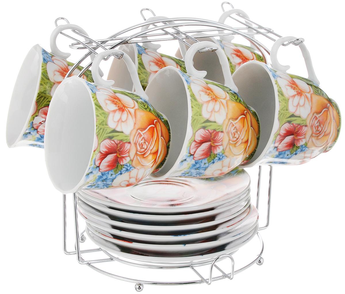 Набор чайный Bella, на подставке, 13 предметов. DL-F6MS-022115510Набор Bella состоит из шести чашек и шести блюдец, изготовленных из высококачественного фарфора. Чашки оформлены красочным рисунком. Изделия расположены на металлической подставке. Такой набор подходит для подачи чая или кофе.Чайный набор Bella - идеальный и необходимый подарок для вашего дома и для ваших друзей в праздники.Объем чашки: 220 мл. Диаметр чашки (по верхнему краю): 8 см. Высота чашки: 7,5 см. Диаметр блюдца: 14 см. Высота блюдца: 2 см.Размер подставки: 17,5 х 17,5 х 19 см.
