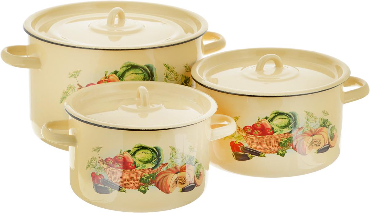 Набор кастрюль СтальЭмаль Урожай, с крышками, 6 предметов68/5/3Нарядный набор эмалированных кастрюль СтальЭмаль Урожай станет украшением вашей кухни и поможет вам готовить вкусные супы и компоты. Эмаль является тонкой стеклянной пленкой и надежно защищает ваши блюда от окисления, в посуде с таким покрытием можно хранить готовые блюда, не опасаясь за свое здоровье. Эмаль легко мыть, она устойчива к воздействию любых металлических предметов: ножей, ложек, железных лопаток, ее можно использовать для всех видов плит.Объем кастрюль: 2,9 л; 3,9 л; 7 л. Диаметр кастрюль (по верхнему краю): 19 см; 21 см; 26 см. Ширина кастрюль (с учетом ручек): 25 см; 28 см; 34 см. Высота стенки кастрюль: 12 см; 12,5 см; 16,5 см.
