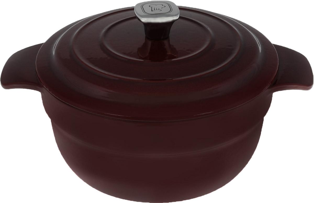 Кастрюля Rondell Noble Red с крышкой, круглая, 4,2 лRDI 704Кастрюля Rondell Noble Red изготовлена из высококачественного чугуна. Блюда приготовленные в чугунной посуде отличаются особым вкусом, они являются более здоровыми, так как благодаря отличному сохранению температуры вы можете не жарить, а томить блюда с минимальным количеством масла (с использованием крышки). Высококачественная внутренняя и внешняя эмаль защищает вашу посуду от окисления, позволяет хранить пищу в посуде после приготовления и облегчает уход. Ручки с желобком, плавными скругленными углами и удобным наклоном обеспечивают удобство при использовании. Выпуклости на внутренней стороне крышки обеспечивают эффект орошения, сохранение натурального вкуса и питательной ценности блюд. Воплощайте свои фантазии вместе с кастрюлей Rondell. Такая кастрюля - это идеальный подарок для современных хозяек, которые следят за своим здоровьем и здоровьем своей семьи. В комплект входит буклет с рецептами от шеф-повара.Подходит для использования на всех видах плит включая индукционные. Не подходит для использования в посудомоечной машине. Диаметр кастрюли по верхнему краю: 24 см. Ширина кастрюли (с учетом ручек): 32,5 см. Высота стенки: 11,5 см.
