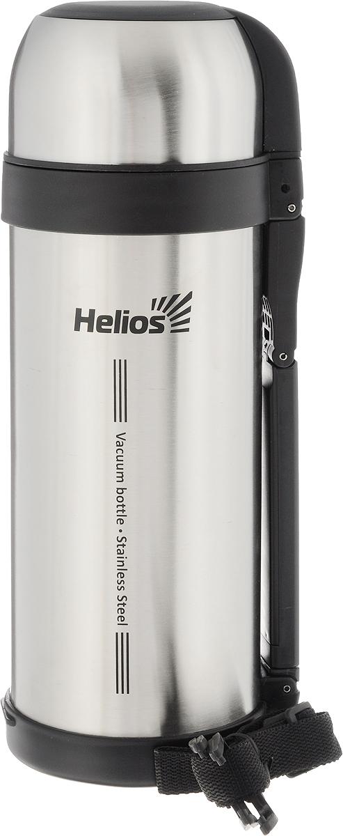Термос HeliosHS TM-003, 1,8 лP737800Универсальный термос HeliosHS TM-003 оснащен широким горлом и двойными стенками с вакуумной изоляцией, которая позволяет сохранять напитки горячими и холодными длительное время. Конструкция пробки позволяет использовать термос как для напитков, так и для первых и вторых блюд. Кнопочный клапан на пробке дает возможность при наливании не открывать термос целиком для сохранения температуры содержимого. Термос имеет складную ручку для удобства наливания содержимого, также в комплекте наплечный ремень для транспортировки и инструкция по эксплуатации. Крышка может послужить вместительной чашей. Диаметр горлышка: 7,5 см.Диаметр основания термоса: 11 см.Высота термоса: 32 см.