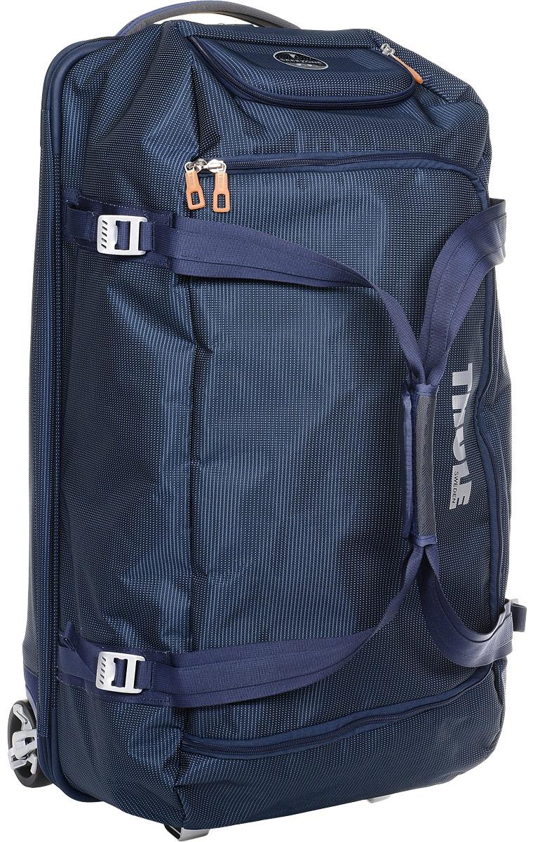 Сумка багажная Thule Crossover Rolling Duffel, на колесах, цвет: темно-синий, 87 лГризлиДорожная сумка на колесах Thule Crossover Rolling Duffel - вместительная сумка с широким входом, куда можно с легкостью положить шлем, ботинки, перчатки, куртку и другие туристические принадлежности.Алюминиевый каркас и водостойкий материал делают эту сумку легкой, но прочной. Надежный экзоскелет и задняя обшивка из полипропилена обеспечат надежную защиту во время путешествий в самых сложных условиях. Крепкие колеса увеличенного размера и телескопическая ручка с технологией Thule V-Tubing гарантирует мягкое, плавное и ровное движение в течение многих лет. Имеются регулировочные ремни для подгонки размера сумки в зависимости от количества багажа. Изготовленное по технологии горячей прессовки ударопрочное отделение SafeZone защитит ваши очки, портативную электронику и другие хрупкие вещи (отделение запирается и может быть удалено для освобождения дополнительного места). Главное отделение с потайным отсеком поможет отделить чистое от грязного, мокрое от сухого и деловое от повседневного.
