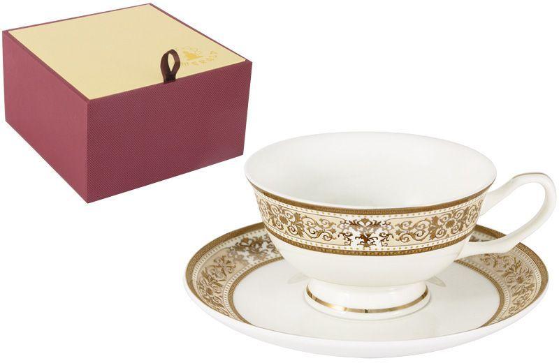 Чайная пара Emerald Шарлотта, 2 предмета391602Чайная пара Emerald Шарлотта состоит из чашки и блюдца, изготовленных из высококачественного костяного фарфора. Яркий дизайн изделий, несомненно, придется вам по вкусу.Чайная пара Emerald Шарлотта украсит ваш кухонный стол, а также станет замечательным подарком к любому празднику.Объем чашки: 200 мл.