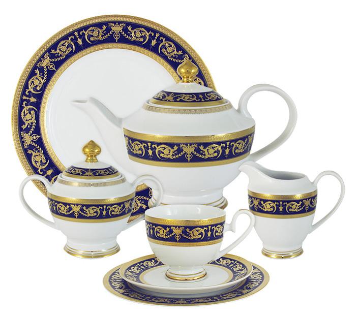 Чайный сервиз Midori Императорский, цвет: кобальт, 42 предмета, 12 персон. MI2-K655A-E8/42A-ALVT-1520(SR)Чайный сервиз Императорский (кобальт) 42 предмета на 12 персон (12 чашек 0,2л,12 блюдец,12 тарелок 19см, сливочник 0,3л, сахарница с крышкой 0,45л, блюдо 27см, чайник с крышкой 1,4л)Фарфоровая посуда всегда была признаком хорошего стиля, роскоши и достатка. Великолепные фарфоровые сервизы украшали званые ужины в домах аристократов, художественная ценность некоторых изделий из фарфора настолько высока, что они хранятся в музеях, как настоящие произведения искусства. Сегодня традиция сервировать праздничный стол утонченной посудой из фарфора возвращается в наши дома. Она придает торжественности каждому событию, будь то свадьба, юбилей или встреча старых друзей.Предлагаем вашему вниманию столовые и чайные сервизы из высококачественного твердого фарфора торговой марки Midori. Великолепные орнаменты, серебряные и золотые узоры выглядят празднично и роскошно. Для сервизов торговой марки Midori характерна филигранная работа и высокохудожественное исполнение декоров. Фарфор достоин представления во дворцах и президентских апартаментах.