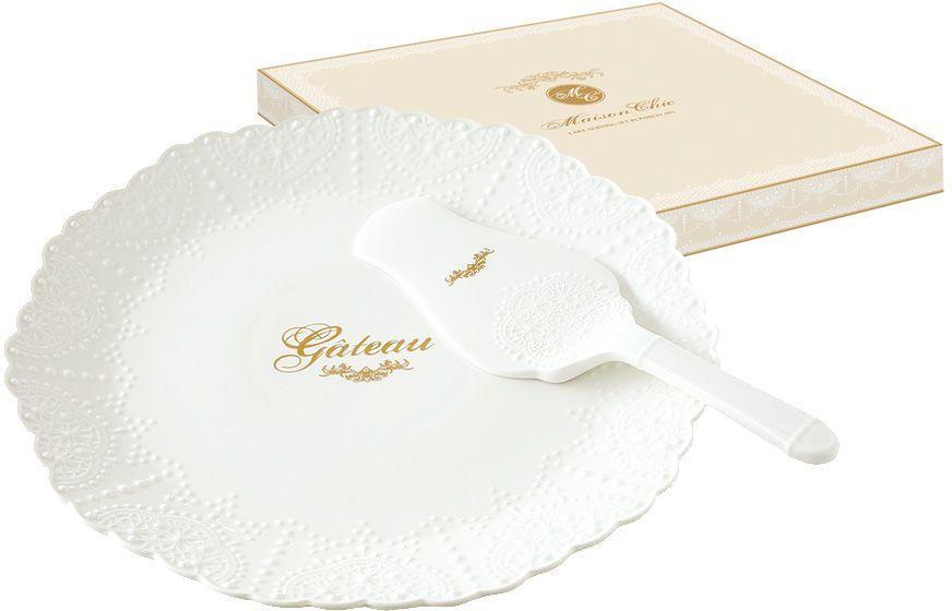 Набор для торта Nuova R2S Белое кружево, 2 предмета115510Набор для торта Nuova R2S Белое кружево состоит изтарелки и лопатки. Изделия выполнены извысококачественного фарфора и оформлены выпуклым орнаментом, напоминающим кружево. Набор идеален для подачи тортов,пирогов и другой выпечки.Изысканный дизайн сделает набор эффектнымукрашением праздничного стола.Концепция выпускаемой продукции заключается в создании единой дизайнерской линии предметов сервировки стола, оформления интерьера кухни или столовой комнаты. Вся продукция производится из современных и экологически чистых материалов: фарфора, стекла, пластика и дерева.Продукция компании NUOVA R2S отличается современным дизайном, и легкостью в эксплуатации. Компания работает в тесном сотрудничестве с лучшими итальянскими художниками и дизайнерами.Диаметр тарелки: 30 см.