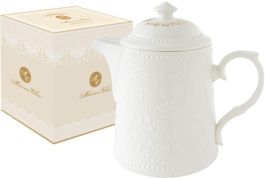 Чайник заварочный Nuova R2S Белое кружево, 900 млVT-1520(SR)Чайник заварочный Nuova R2S Белое кружево выполнен из высококачественного фарфора. Изделие легкое и прочное. Нанесение сверкающей глазури, не содержащей свинца, придает изделию превосходный блеск и особую прочность. Чайник оформлен изысканным рельефом, имитирующим кружево. Крышка декорирована золотистым узором. Такой заварочный чайник оригинально дополнит сервировку стола к чаепитию и станет практичным приобретением для кухни. Продукция компании Nuova R2S отличается современным дизайном и легкостью в эксплуатации. Компания работает в тесном сотрудничестве с лучшими итальянскими художниками и дизайнерами.