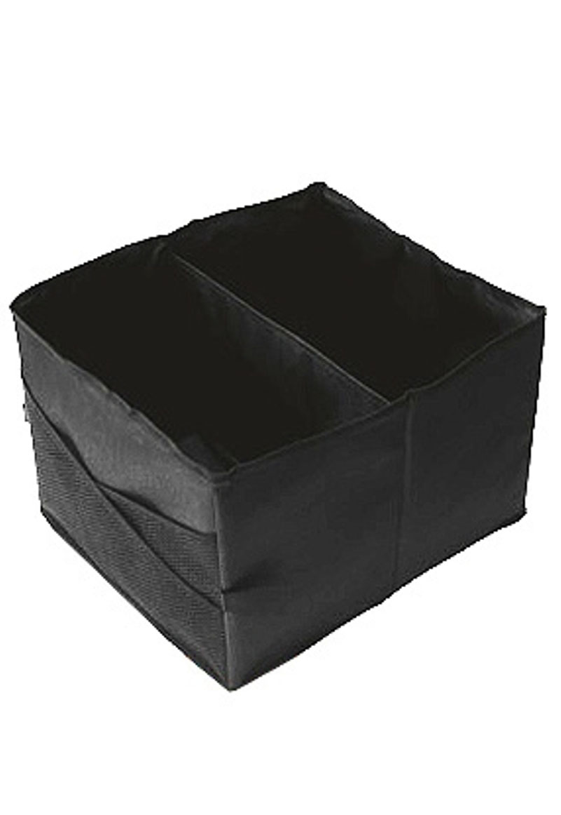 Сумка-органайзер в багажник Антей. 002-И1004900000360Органайзер в багажник Антей - вместительный и в тоже время очень компактный. Благодаря широкому днищу, снабженному антискользящим покрытием и высокими бортам, предметы в этом органайзере надежно зафиксированы на своих местах. Органайзер имеет два основных отделения и сетчатые карманы сбоку.