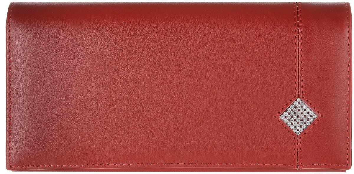 Портмоне женское Dimanche Рубин, цвет: красный. 0121-022_516Стильное женское портмоне Dimanche Рубин выполнено из высококачественной матовой натуральной кожи и закрывается клапаном на застежке-кнопке.Внутри расположены три отделения для купюр, отделение для мелочи на застежке-молнии, семь кармашков для кредитных карт и визиток, кармашек с пластиковым прозрачным окошком и два дополнительных кармана для бумаг. На тыльной стороне расположен большой дополнительный карман без застежки. Оформлено изделие аппликацией из стразов в виде ромба. Стильное портмоне эффектно дополнит ваш образ и станет незаменимым аксессуаром. Упаковано изделие в фирменную картонную коробку.