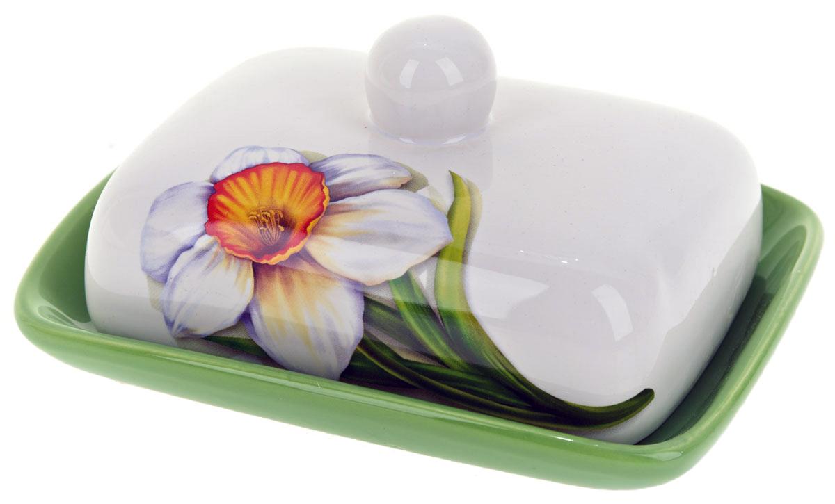 Масленка ENS Group Нарцисс. L2520294VT-1520(SR)Масленка Нарцисс, изготовленная из керамики, предназначена для красивой сервировки и хранения масла. Она состоит из крышки с удобной ручкой и подноса. Масло в ней долго остается свежим, а при хранении в холодильнике не впитывает посторонние запахи. Гладкая поверхность обеспечивает легкую чистку.Можно мыть в посудомоечной машине.