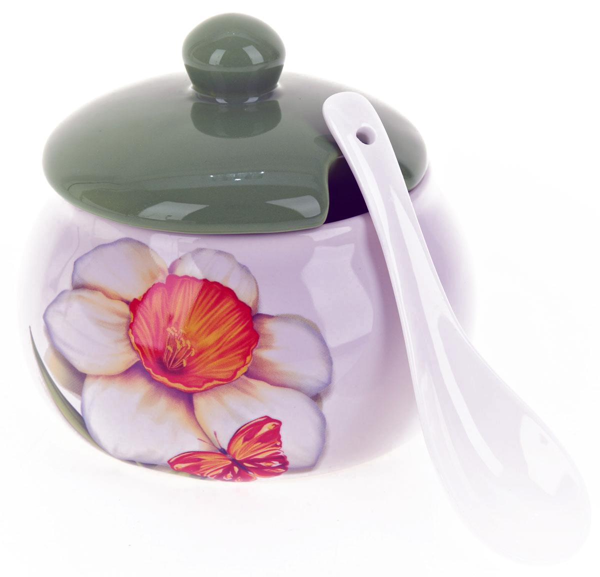 Сахарница ENS Group Нарцисс, с ложкой, 600 мл115510Сахарница Нарцисс с крышкой и ложкой изготовлена из керамики и украшена ярким рисунком.Емкость универсальна, подойдет как для сахара, так и для специй или меда. Можно мыть в посудомоечной машине.