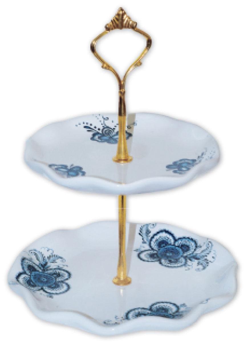 Ваза для фруктов ENS Group Орнамент, двухъярусная. L2520333VT-1520(SR)Двухъярусная ваза ENS Group Орнамент, выполненная из доломитовой керамики, сочетает в себе изысканный дизайн с максимальной функциональностью. Блюда вазы украшены цветочным рисунком. Изделие предназначено для красивой сервировки фруктов. Такая ваза для фруктов придется по вкусу и ценителям классики, и тем, кто предпочитает утонченность и изящность.Ваза для фруктов украсит сервировку вашего стола и подчеркнет прекрасный вкус хозяина, а также станет отличным подарком.