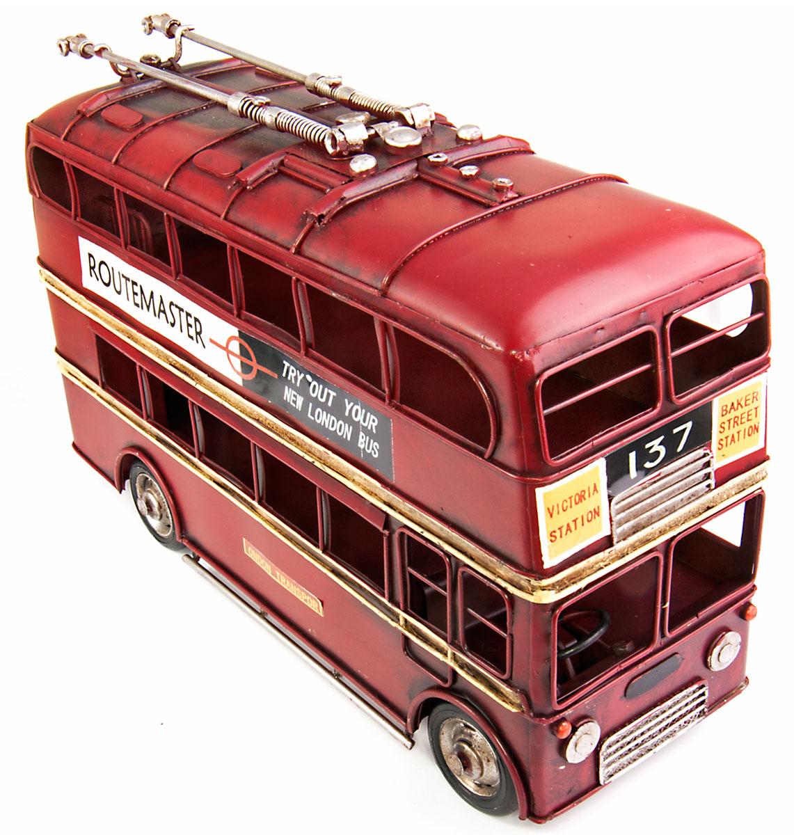 Модель Platinum Лондонский троллейбус. 1410E-4481700045Модель Platinum Лондонский троллейбус, выполненная из металла, станет оригинальным украшением интерьера. Вы можете поставить ретро-модель в любом месте, где она будет удачно смотреться.Качество исполнения, точные детали и оригинальный дизайн выделяют эту модель среди ряда подобных. Модель займет достойное место в вашей коллекции, а также приятно удивит получателя в качестве стильного сувенира.