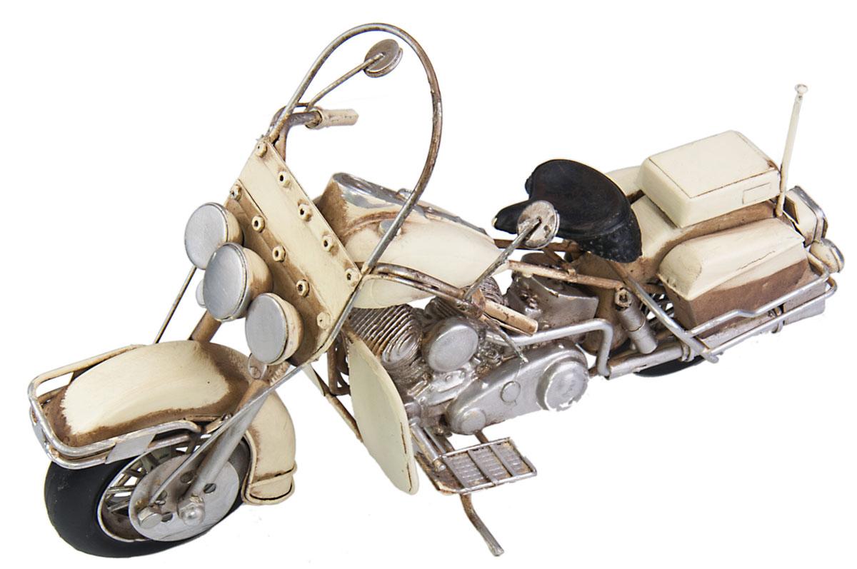 Модель Platinum Мотоцикл. 1510A-7832JP-22/16Модель Platinum Мотоцикл, выполненная из металла, станет оригинальным украшением интерьера. Вы можете поставить ретро-модель в любом месте, где она будет удачно смотреться.Качество исполнения, точные детали и оригинальный дизайн выделяют эту модель среди ряда подобных. Модель займет достойное место в вашей коллекции, а также приятно удивит получателя в качестве стильного сувенира.