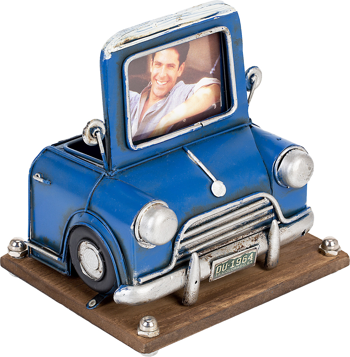 Фоторамка Platinum Автомобиль, с подставкой для ручек, 6 х 8 см46460 AP102328SAФоторамка Platinum Автомобиль, выполненная из металла, оснащена подставкой для ручек и карандашей. Такая фоторамка поможет вам оригинально и стильно дополнить интерьер помещения, а также позволит сохранить память о дорогих вам людях и интересных событиях вашей жизни.