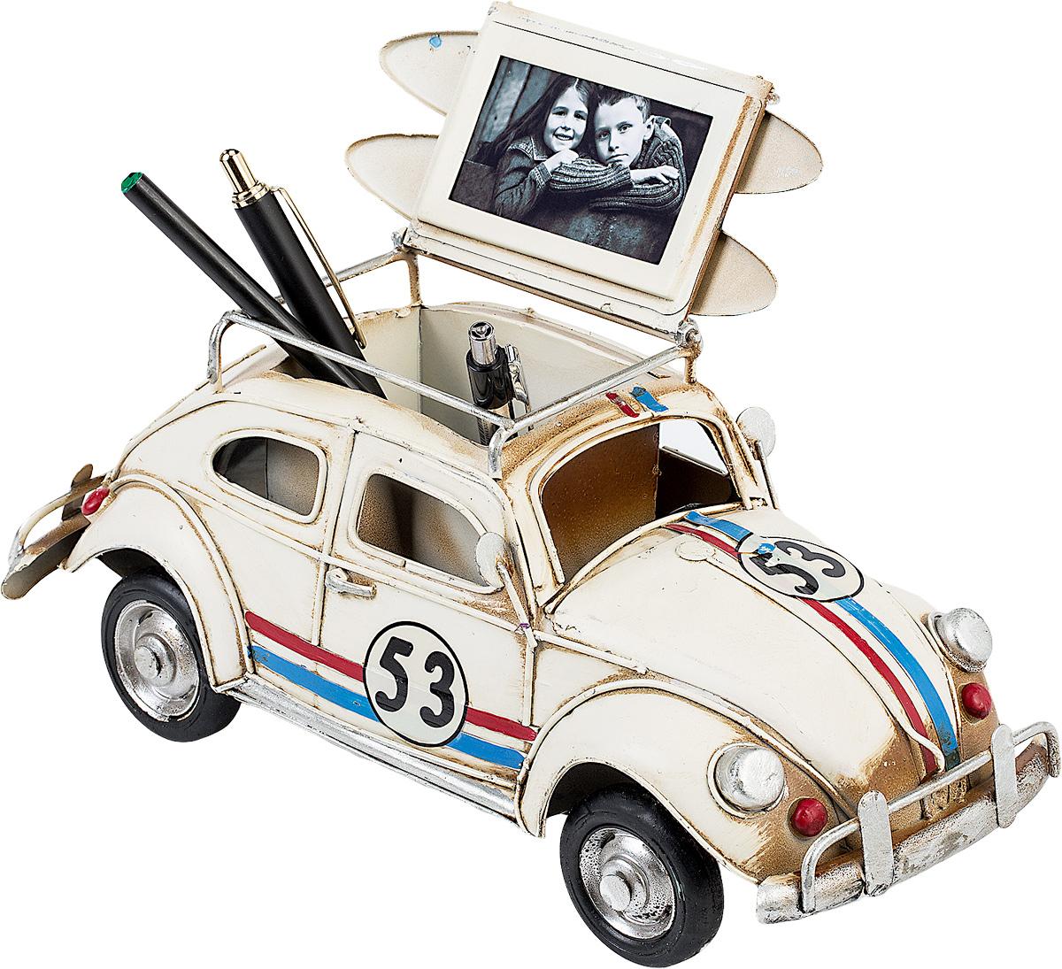 Модель Platinum Автомобиль, с фоторамкой и подставкой для ручек. 1404E-43371404E-4337Модель Platinum Автомобиль, выполненная из металла, станет оригинальным украшением интерьера. Вы можете поставить модель ретро-автомобиля в любом месте, где она будет удачно смотреться.Изделие дополнено подставкой для ручек и фоторамкой, куда вы можете вставить вашу любимую фотографию.Качество исполнения, точные детали и оригинальный дизайн выделяют эту модель среди ряда подобных. Модель займет достойное место в вашей коллекции, а также приятно удивит получателя в качестве стильного сувенира.