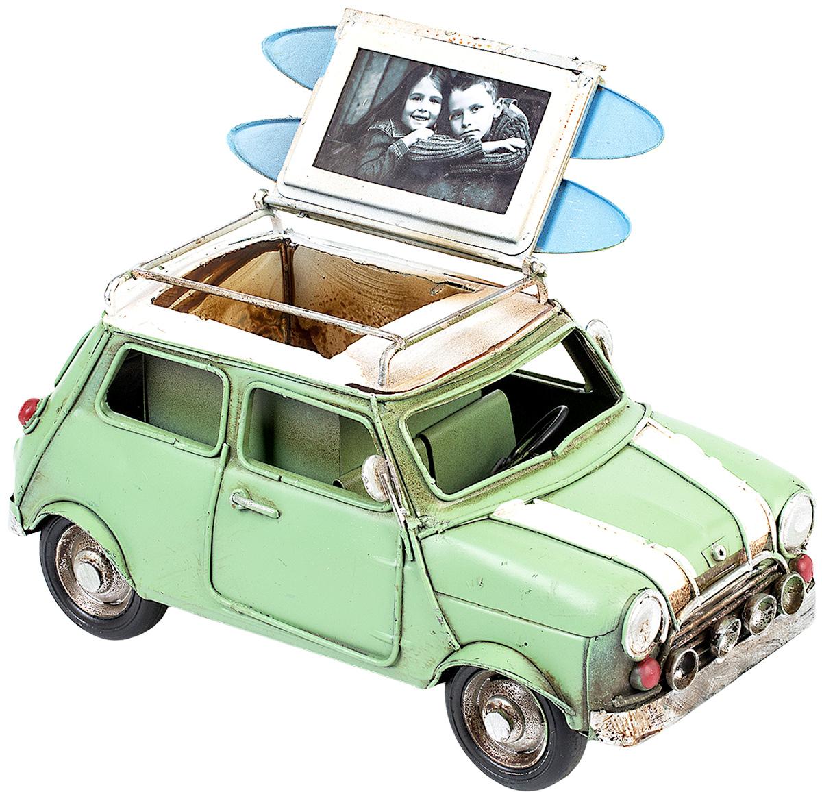 Модель Platinum Автомобиль, с фоторамкой и подставкой для ручек. 1404E-4343JP-36/22Модель Platinum Автомобиль, выполненная из металла, станет оригинальным украшением интерьера. Вы можете поставить модель ретро-автомобиля в любом месте, где она будет удачно смотреться.Изделие дополнено подставкой для ручек и фоторамкой, куда вы можете вставить вашу любимую фотографию.Качество исполнения, точные детали и оригинальный дизайн выделяют эту модель среди ряда подобных. Модель займет достойное место в вашей коллекции, а также приятно удивит получателя в качестве стильного сувенира.