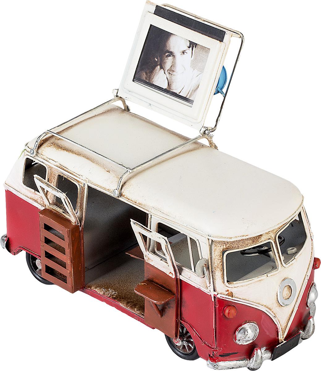 Модель Platinum Автобус, с фоторамкой. 1404E-4355a030041Модель Platinum Автобус, выполненная из металла, станет оригинальным украшением вашего интерьера. Вы можете поставить модель автобуса в любом месте, где она будет удачно смотреться.Изделие дополнено фоторамкой, куда вы можете вставить вашу любимую фотографию.Качество исполнения, точные детали и оригинальный дизайн выделяют эту модель среди ряда подобных. Модель займет достойное место в вашей коллекции, а также приятно удивит получателя в качестве стильного сувенира.Размер фотографии: 4 х 5 см.