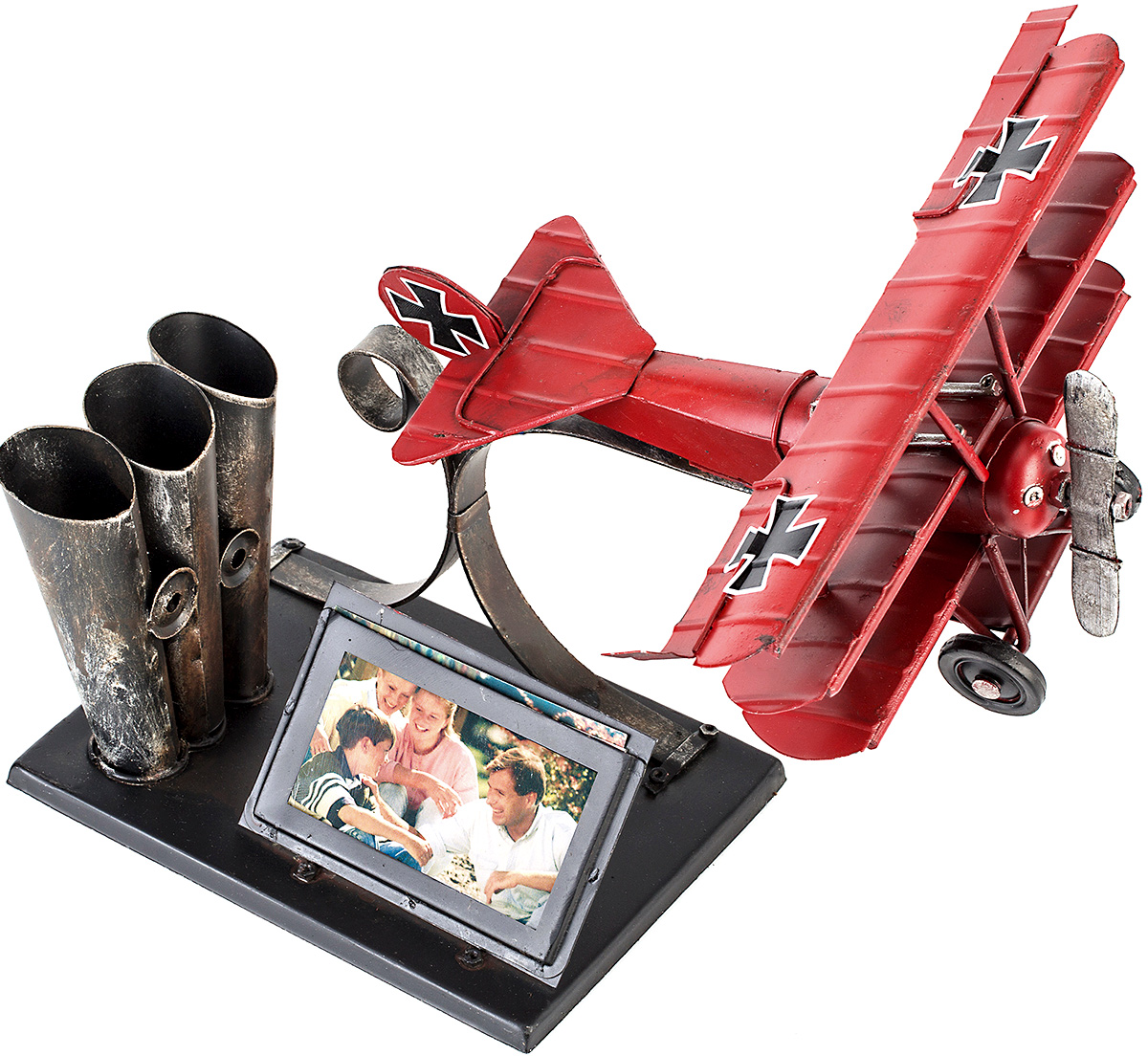 Фоторамка Platinum Самолет, с подставкой для ручек, 5 х 7 смТР 5138Фоторамка Platinum Самолет, выполненная из металла, оснащена подставкой для ручек и карандашей. Такая фоторамка поможет вам оригинально и стильно дополнить интерьер помещения, а также позволит сохранить память о дорогих вам людях и интересных событиях вашей жизни.Подходит для фотографии размером: 5 х 7 см.