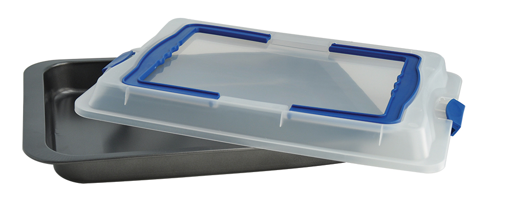 Противень Regent Inox Easy с крышкой, прямоугольный, с антипригарным покрытием, 42 х 29 х 5 смTK 0214Прямоугольный противень Regent Inox Easy выполнен из высококачественной углеродистой стали и оснащен крышкой. Посуда хорошо выдерживает высокие и низкие температуры, а герметичная пластиковая крышка поможет дольше сохранить ваше блюдо свежим. Современное качественное антипригарное покрытие гарантирует беспрепятственное снятие выпечки с противня и простоту очистки изделия. С такой формой можно использовать минимальное количество масла. С противнем Regent Inox Easy вы с легкостью порадуете ваших домашних запеченной свининой, различной выпечкой или сочной курицей с аппетитной хрустящей корочкой! Он станет отличным подарком любой хозяйке.
