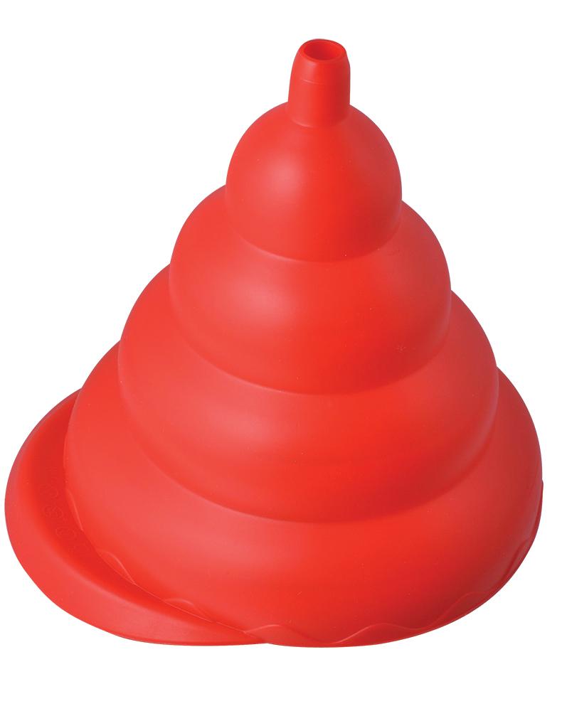Воронка складная Regent Inox, силиконовая, 17 х 15,5 см630879Складная воронка из силикона Regent Inox применяется для того, чтобы быстро перелить большое количество жидкости, а также, для пересыпки рассыпчатых продуктов: сухих приправ, соли или сахара. Воронка имеет гофрированную форму, что дает возможность использовать ее с любой тарой: от бутылки до канистры. Воронку возможно мыть в посудомоечной машине или вручную. Она свободно складывается и не занимает много места при хранении.