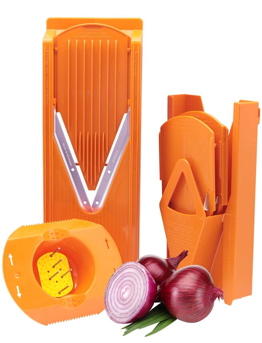 Овощерезка Borner Trend Плюс, цвет: оранжевый, 6 предметов115510Овощерезка модели Тренд-Плюс имеет 6 предметов в наборе и 12 видов нарезки. Главным отличием овощерезок Бернер от других терок являются запатентованные очень острые нержавеющие ножи-микросеррейторы. В итоге заводская гарантия на заточку ножей - это безупречная нарезка трех тонн овощей. Проверено миллионами покупателей - десять лет ножи не требуют заточки!Овощерезки легко моются, продукты, к ним не прилипают. Достаточно просто сполоснуть овощерезку под струей теплой воды.Абсолютная экологичность пластика позволяет безопасно готовить на Терках Бернера даже для самых маленьких детей.Овощерезка Тренд-Плюс это улучшенная модификация базового комплекта Классика. Основное отличие Тренда от Классики связано с прочностью и долговечностью материала. Кроме того, Тренд имеет несколько конструктивных изменений, усиливающих раму. В результате это неубиваемый комплект, и соотношение цена/качество в пользу покупателя.Комплект овощерезки состоит из 6-ти предметов:- Рамы V (в которую вставляются вставки)- Безопасного плододержателя- Вставки безножевой (для шинковки капусты, нарезки из любых продуктов колечек, пластов и ломтиков)- Вставки с ножами 3,5 мм (для нарезки длинной или короткой соломки, мелких кубиков) - Вставки с ножами 7 мм (для нарезки длинных или коротких брусочков, крупных кубиков) - Мультибокса для хранения.Изменения в модели Тренд относительно Классики: - Корпус овощерезки выполнен из ударопрочной пищевой ABS-пластмассы - Рама (основной нож) сделана толще и надежнее - На раме есть ручка, держать овощерезку стало удобнее - Вставки фиксируются защелкиванием в основной раме - В раме под основным ножом есть платформа, делающая ее прочнее - В модели Классика V-ножи вплавлены в раму и на углу закреплены между собой пластмассовой заклепкой; в Тренде и всех последующих моделях ножи заплавлены в раму по всему периметру.