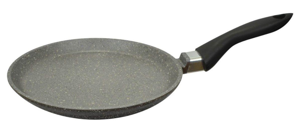 Сковорода блинная Мечта Гранит, с антипригарным покрытием. Диаметр 22 см54 009312Литая алюминиевая сковорода для блинов Мечта Гранит с покрытием повышенной стойкости позволяет равномерно распределять и прекрасно удерживать тепло, экономить электроэнергию и готовить пищу быстрее. Значительная толщина стенок и дна исключает деформацию корпуса изделий, гарантирует долговечность посуды.Антипригарное покрытие премиум класса Granit Люкс представляет собой многослойную систему, упроченную кристаллами минералов. Данные кристаллы выполняют роль армирующего звена, благодаря чему получается мощнейшая монолитная структура, которая многократно повышает прочностные и антипригарные свойства.Покрытие разработано немецкой компанией Weilburger Coatings GmbH под торговой маркой Greblon. Покрытие имеет сертификаты FDA (Управления по надзору за качеством пищевых продуктов и медикаментов США), BFR (Федеральный институт оценки рисков в Германии) и LGA (институт независимых испытаний в Германии) Не содержит перфтороктановую кислоту (PFOA), разработан на водной основе.Антипригарное покрытие обладает высокой прочностью, пища не пригорает и сохраняет полезные свойства.Сковорода оснащена бакелитовой ручкой, она не нагревается в процессе готовки и обеспечивает надежный хват.Подходит для газовых, электрических и стеклокерамических плит.Можно мыть в посудомоечной машине.