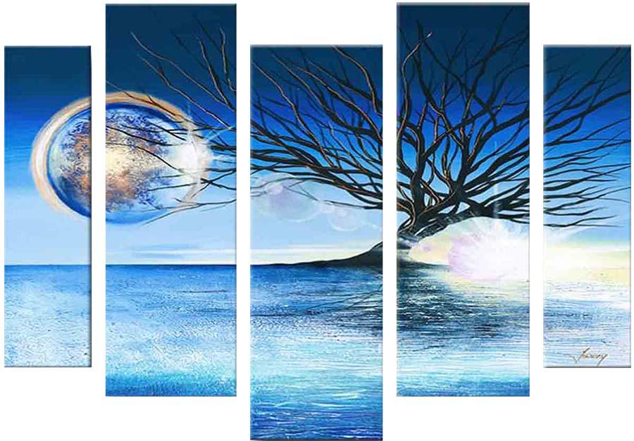 Картина Арт78 Дерево, модульная, 200 х 120 см. арт780079D_022Ничто так не облагораживает интерьер, как хорошая картина. Особенную атмосферу создаст крупное художественное полотно, размеры которого более метра. Подобные произведения искусства, выполненные в традиционной технике (холст, масляные краски), чрезвычайно капризны: требуют сложного ухода, регулярной реставрации, особого микроклимата – поэтому они просто не могут существовать в условиях обычной городской квартиры или загородного коттеджа, и требуют больших затрат. Данное полотно идеально приспособлено для создания изысканной обстановки именно у Вас. Это полотно создано с использованием как традиционных натуральных материалов (холст, подрамник - сосна), так и материалов нового поколения – краски, фактурный гель (придающий картине внешний вид масляной живописи, и защищающий ее от внешнего воздействия). Благодаря такой композиции, картина выглядит абсолютно естественно, и отличить ее от традиционной техники может только специалист. Но при этом изображение отлично смотрится с любого расстояния, под любым углом и при любом освещении. Картина не выцветает, хорошо переносит даже повышенный уровень влажности. При необходимости ее можно протереть сухой салфеткой из мягкой ткани.