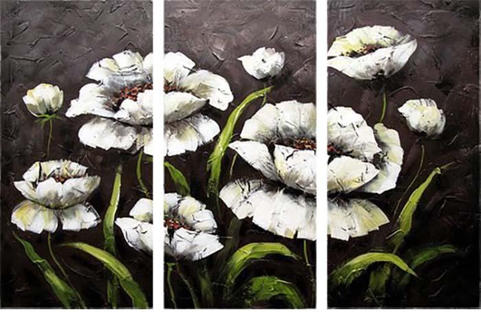 Картина Арт78 Белые цветы, модульная, 80 х 60 см. арт780064-3D_026Ничто так не облагораживает интерьер, как хорошая картина. Особенную атмосферу создаст крупное художественное полотно, размеры которого более метра. Подобные произведения искусства, выполненные в традиционной технике (холст, масляные краски), чрезвычайно капризны: требуют сложного ухода, регулярной реставрации, особого микроклимата – поэтому они просто не могут существовать в условиях обычной городской квартиры или загородного коттеджа, и требуют больших затрат. Данное полотно идеально приспособлено для создания изысканной обстановки именно у Вас. Это полотно создано с использованием как традиционных натуральных материалов (холст, подрамник - сосна), так и материалов нового поколения – краски, фактурный гель (придающий картине внешний вид масляной живописи, и защищающий ее от внешнего воздействия). Благодаря такой композиции, картина выглядит абсолютно естественно, и отличить ее от традиционной техники может только специалист. Но при этом изображение отлично смотрится с любого расстояния, под любым углом и при любом освещении. Картина не выцветает, хорошо переносит даже повышенный уровень влажности. При необходимости ее можно протереть сухой салфеткой из мягкой ткани.