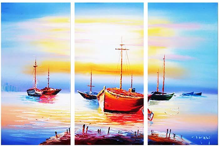Картина Арт78 Залив, модульная, 80 х 60 см. арт780088-3D_011Ничто так не облагораживает интерьер, как хорошая картина. Особенную атмосферу создаст крупное художественное полотно, размеры которого более метра. Подобные произведения искусства, выполненные в традиционной технике (холст, масляные краски), чрезвычайно капризны: требуют сложного ухода, регулярной реставрации, особого микроклимата – поэтому они просто не могут существовать в условиях обычной городской квартиры или загородного коттеджа, и требуют больших затрат. Данное полотно идеально приспособлено для создания изысканной обстановки именно у Вас. Это полотно создано с использованием как традиционных натуральных материалов (холст, подрамник - сосна), так и материалов нового поколения – краски, фактурный гель (придающий картине внешний вид масляной живописи, и защищающий ее от внешнего воздействия). Благодаря такой композиции, картина выглядит абсолютно естественно, и отличить ее от традиционной техники может только специалист. Но при этом изображение отлично смотрится с любого расстояния, под любым углом и при любом освещении. Картина не выцветает, хорошо переносит даже повышенный уровень влажности. При необходимости ее можно протереть сухой салфеткой из мягкой ткани.