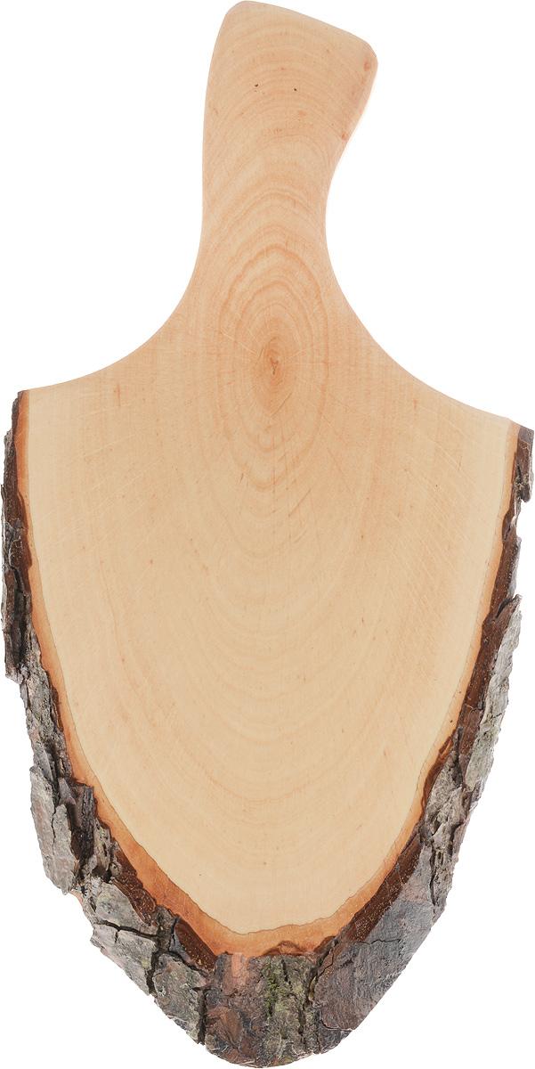 Доска сервировочная Kesper, 35 х 18 х 2 см94672Сервировочная доска с ручкой Kesper выполнена из натурального, экологически чистого материала (дерева ольхи). Специальная обработка обеспечивает прочность и долгий срок службы. Изделие имеет нестандартную форму, обладает высокими антибактериальными свойствами, имеет приятный древесный аромат. Доска идеально подойдет для красивой подачи ваших кулинарных шедевров. Ее размер и форма позволяют подавать мясные блюда, нарезки, холодные или горячие закуски, это идеальный вариант для суши. Эта доска станет настоящим украшением и изюминкой вашей кухни. Не рекомендуется мыть в посудомоечной машине.