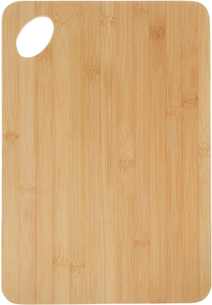 Доска разделочная Kesper, 35 х 24 х 0,8 см94672Доска разделочная Kesper выполнена из натурального бамбука - прочного, практичного, удобного материала. Природная жесткость бамбука позволяет делать из него очень прочные изделия, которые превосходно сохраняют свою форму. Бамбук обладает сильнейшими антимикробными свойствами, поэтому изделия из него являются влагостойкими, не впитывают посторонних запахов, не боятся сырости, их легко мыть. Не рекомендуется мыть в посудомоечной машине.
